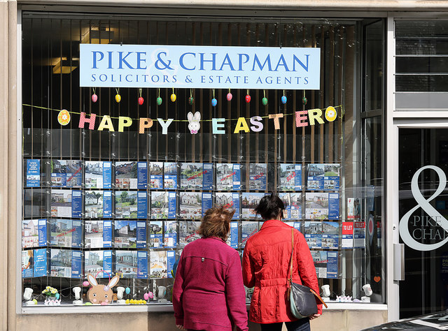 Pike and Chapman's window, Bank Street, Galashiels