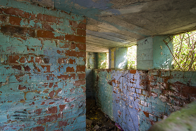 WWII Hampshire: environs of Havant & Emsworth - Emsworth Common pillbox (6)