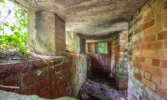 WWII Hampshire: environs of Havant & Emsworth - Comley Hill area pillbox no. 1 (8)