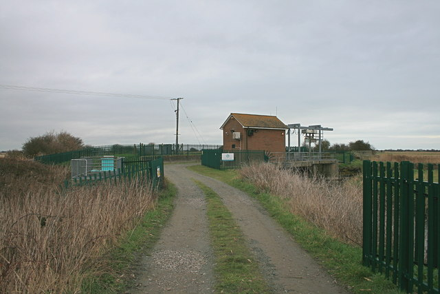 Ring Wall sluices and pumping station