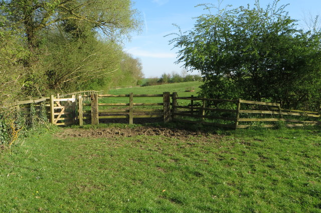 Footpath to Weedon Lois