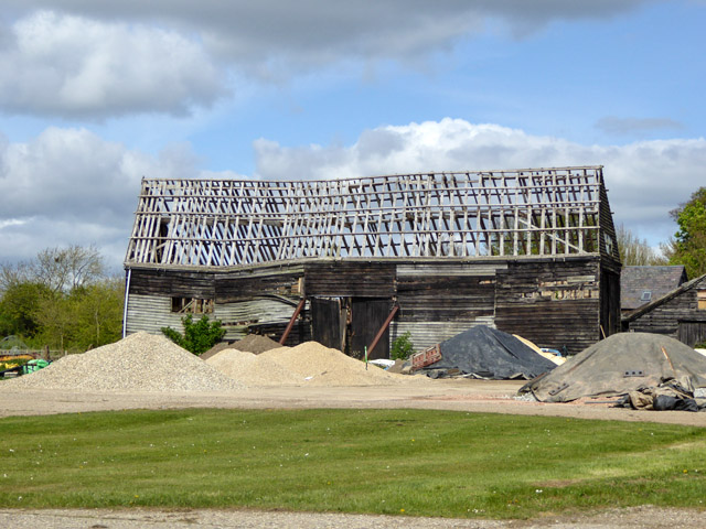 Roofless barn, Tye Farm