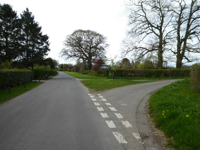 Road junction near Upper Bentley Farm