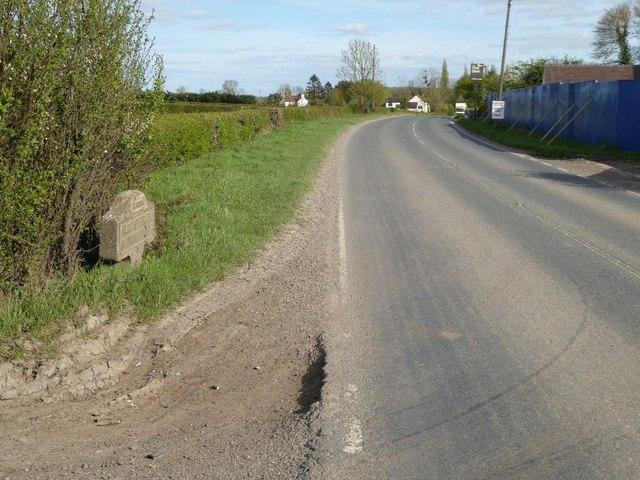 The B4090 near Bradley Green