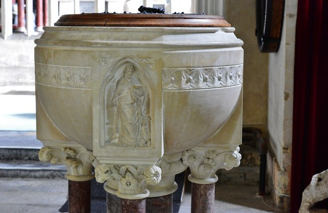 Colyton, St. Andrews Church: The late c19th font 3