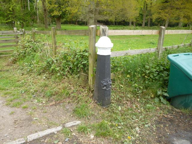 Coulsdon Common:  Coal Post