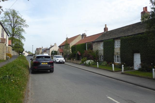 Main Street, Walton