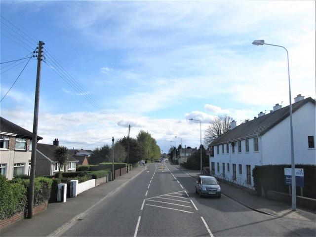 View South along the Newtownards Road at Bangot