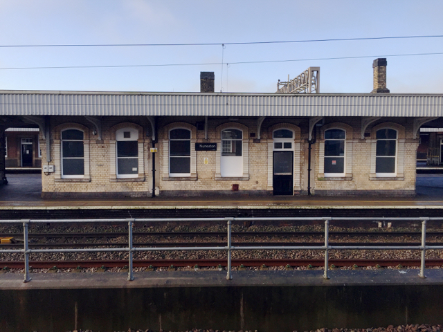 Buildings on platforms 5 and 4, Nuneaton station