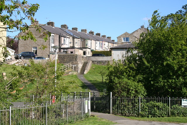 Barnoldswick:  Looking up from Valley Gardens