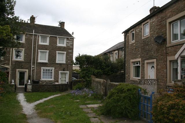 Barnoldswick: St. James Square