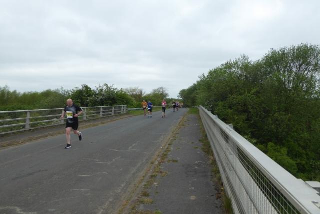 Runners on the bridge
