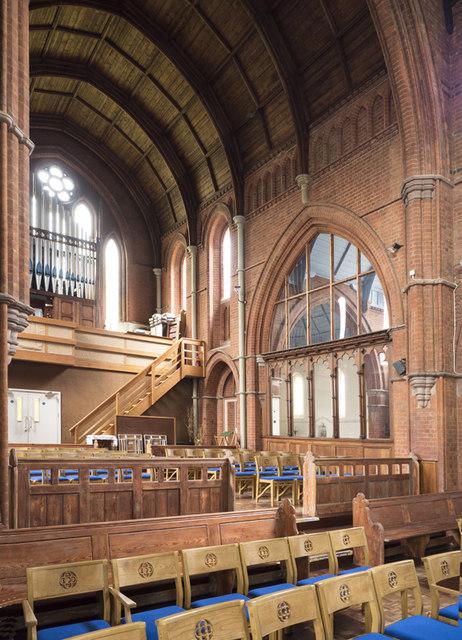 St Saviour, Wendell Park - Interior