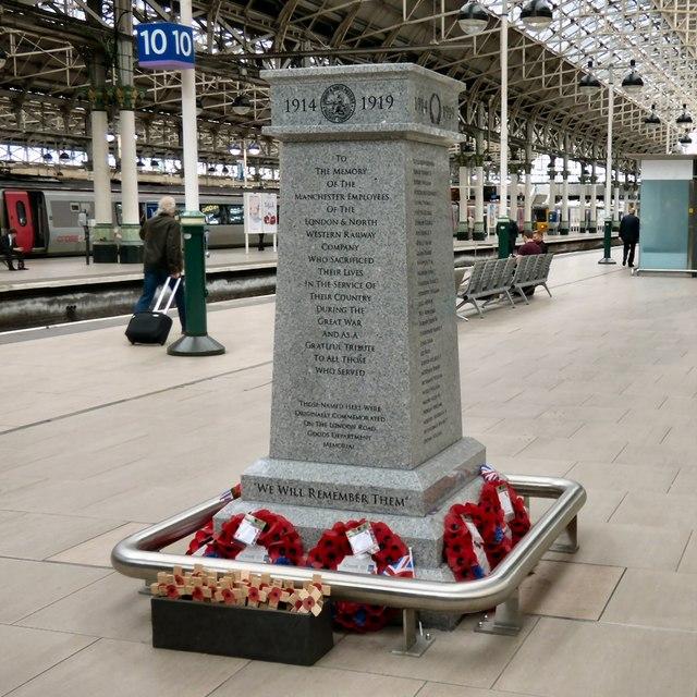 War Memorial on Platform 10
