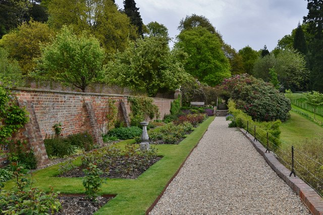 Riverhill Himalayan Garden: The Rose Walk