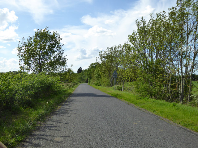 Road towards Sutton from Eyeworth