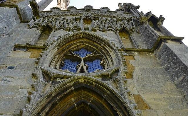 Gaddesby, St. Luke's Church: The extravagant Decorated Gothic west corner