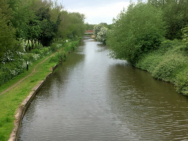 Trent and Mersey Canal (looking south)