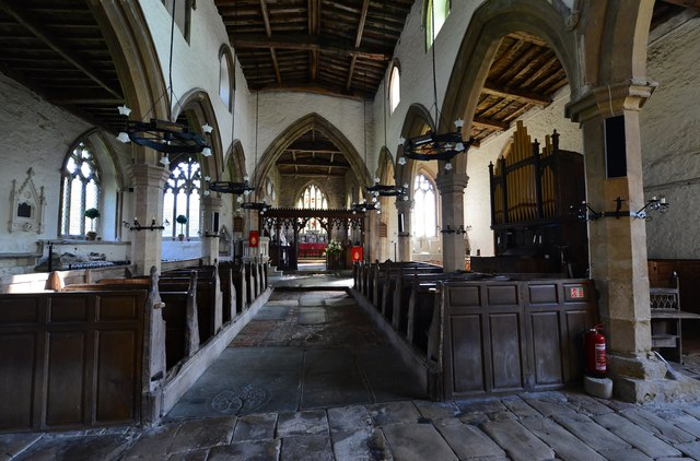 Gaddesby, St. Luke's Church: The nave with its medieval pews 2