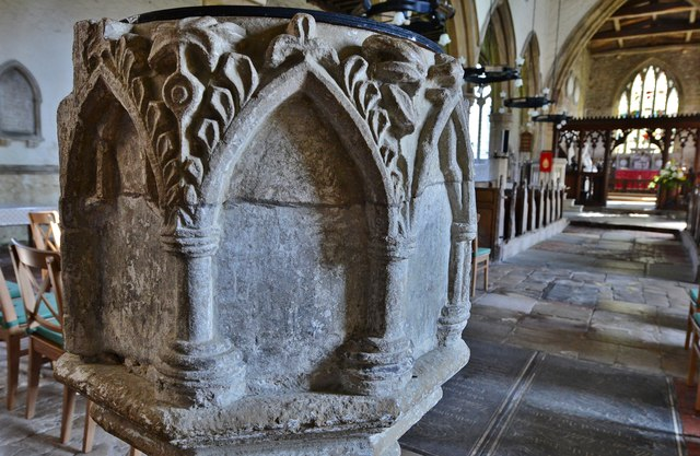 Gaddesby, St. Luke's Church: The font, thought to be early c14th 1