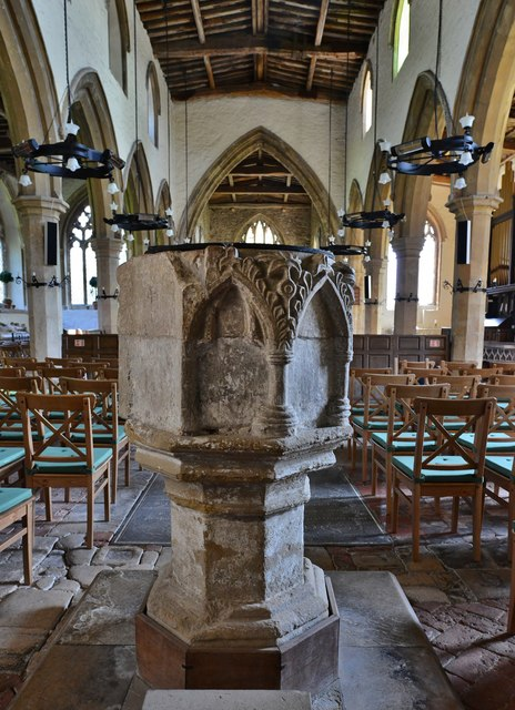 Gaddesby, St. Luke's Church: The font, thought to be early c14th 2