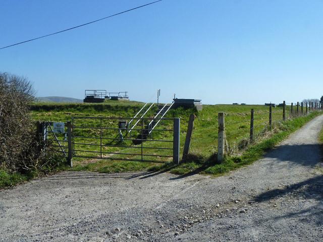 Covered reservoir by Haycrafts Lane