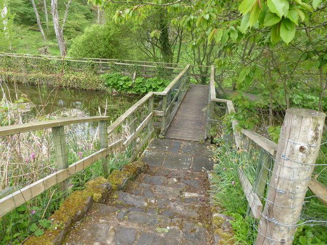 Footbridge at west end of Mill of Benholm dam