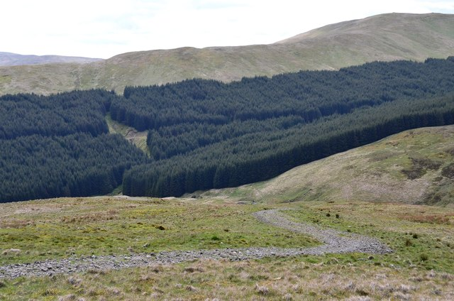 Descending Black Knowe Head