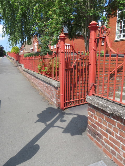 Pedestrian entrance to Ysgol Estyn, Hawarden Road, Hope