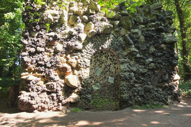 Shell grotto, Newhailes