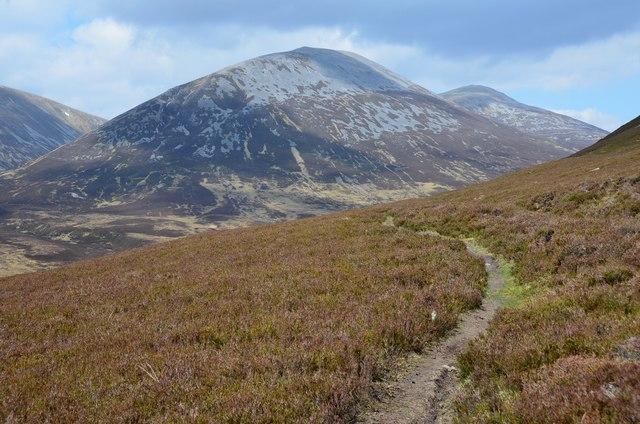 Path contouring Sron na h-Innearach