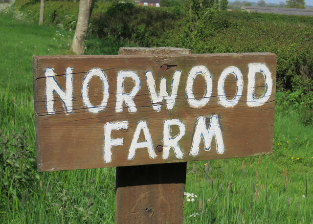Norwood Farm sign