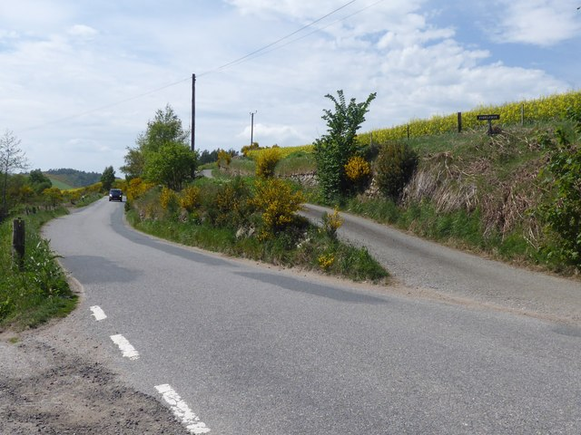 Crossroads on Kirkton of Tough to Muir of Fowlis minor road