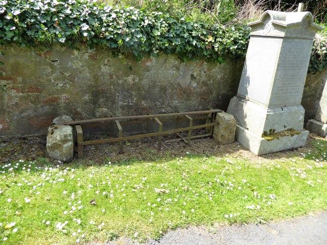 An old metal 'mort safe' in Tough kirkyard