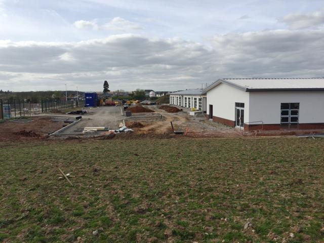 Primary school under construction to serve new estates, Heathcote, Leamington