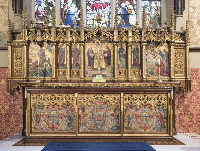 St Mary, Plaistow - Altar