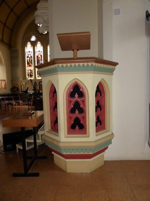 Holy Trinity, Richmond: pulpit