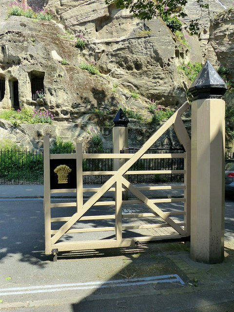 Gateway to The Park, Peveril Drive