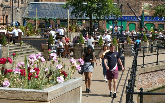 Summer in the City – Nottingham Canal wharf (3)