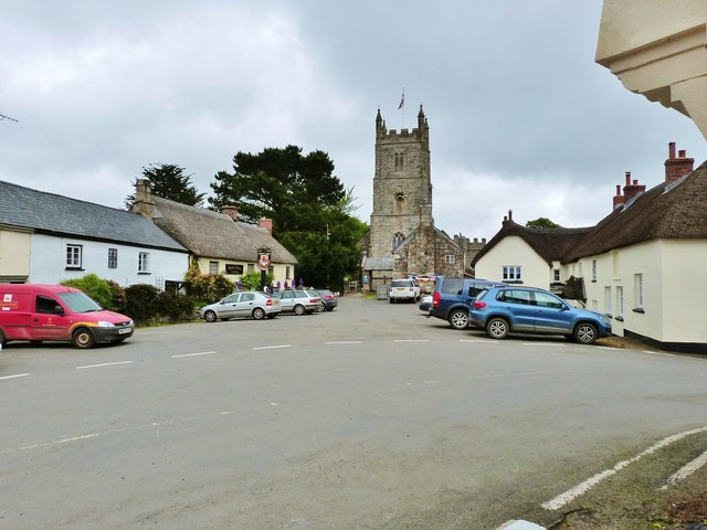 Drewsteignton village centre with the Drewe Arms pub, and the 15th century Holy Trinity church