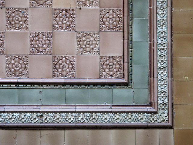 The Centurion Bar, Newcastle Central Station - Burmantofts tiles