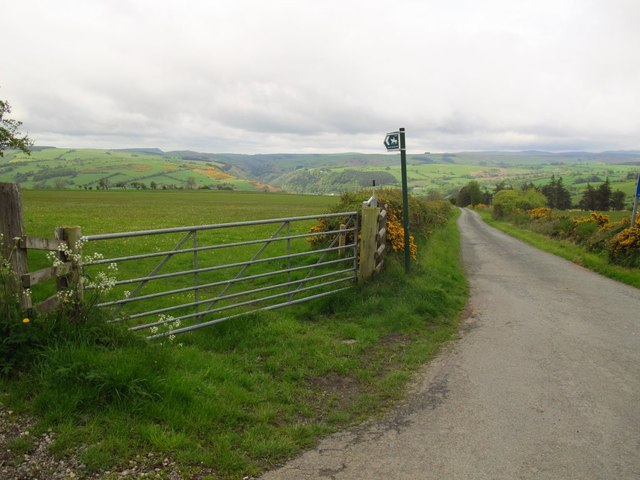 Start of lane and bridleway