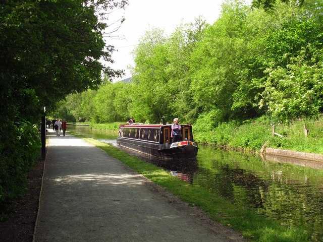 Canal just west of Llangollen