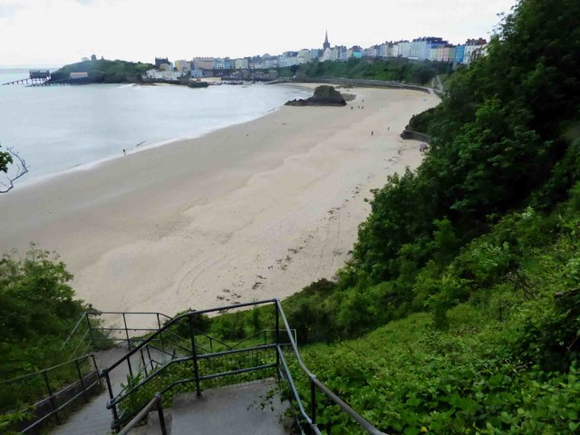 Steps to the North beach Tenby
