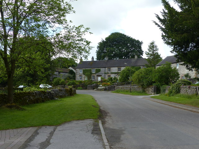 Rakes Road and cottages Monyash