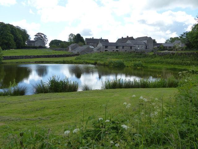 Pond and Cottages Monyash