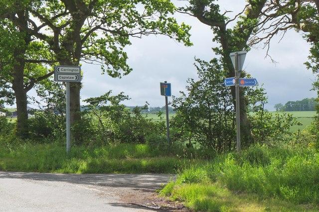 Road junction near Capielaw