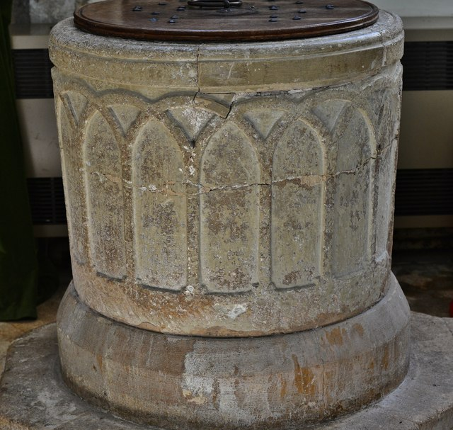 Chedworth, St. Andrew's Church: The Norman font 1