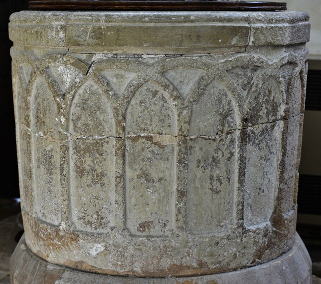 Chedworth, St. Andrew's Church: The Norman font 2