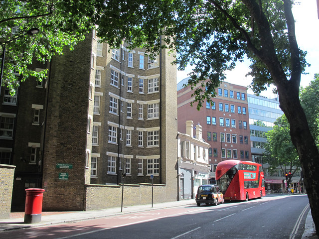 The southern end of Rosebery Avenue, EC1 (2)